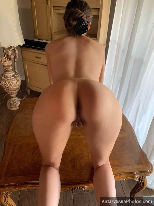 sexy girl want to enjoy sex in doggy style she is ready