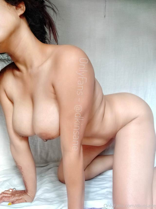 sexy indian girl dogy position me nude pic
