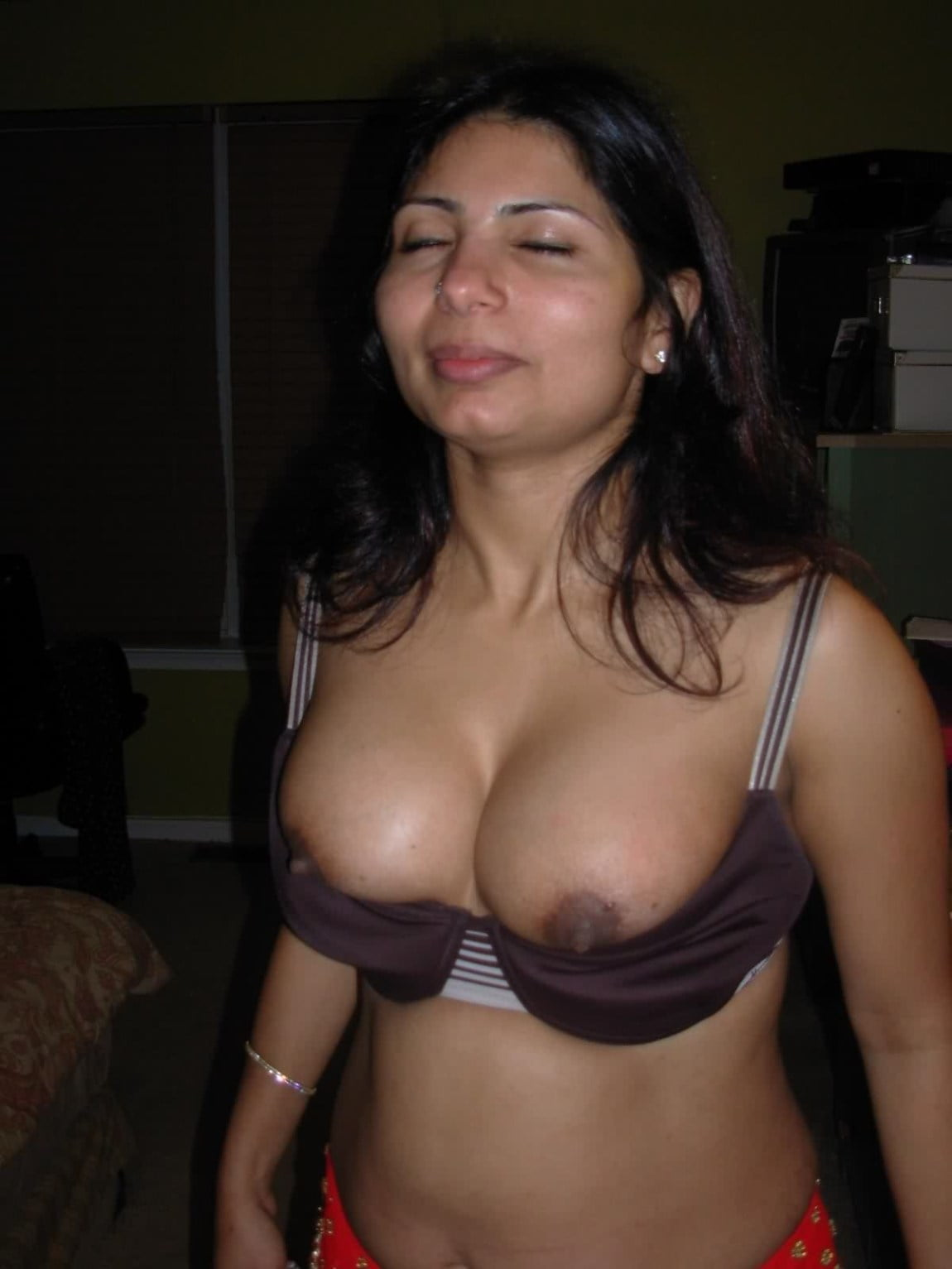 sexy aunties big Boobs and bra