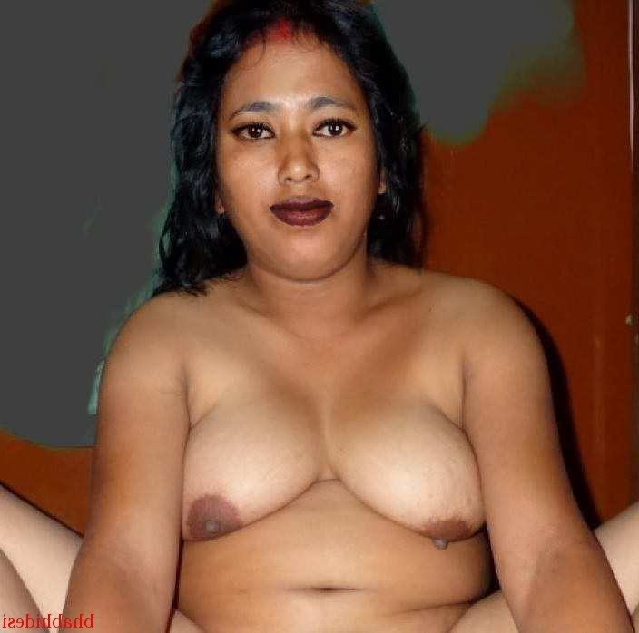 aunties Big Boobs Shaved Pussy