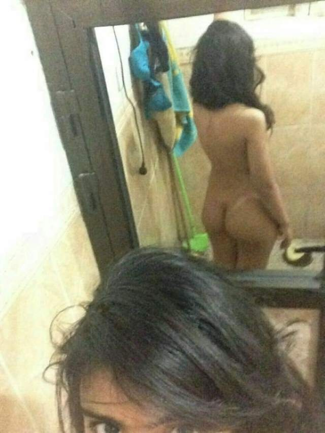 sexy indian ass pics in mirror